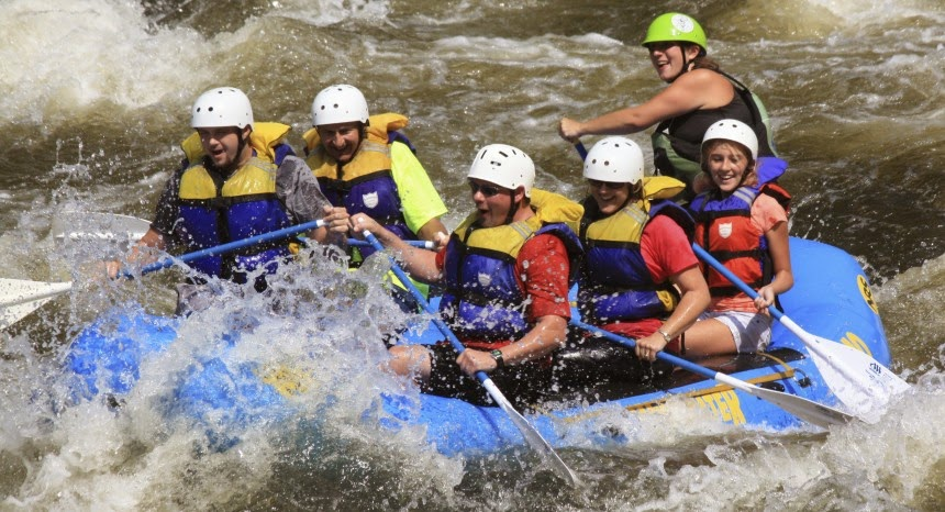 Go Whitewater Rafting in the Smoky Mountains with Outdoor Adventures
