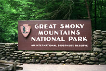 great smoky mountain national park sign